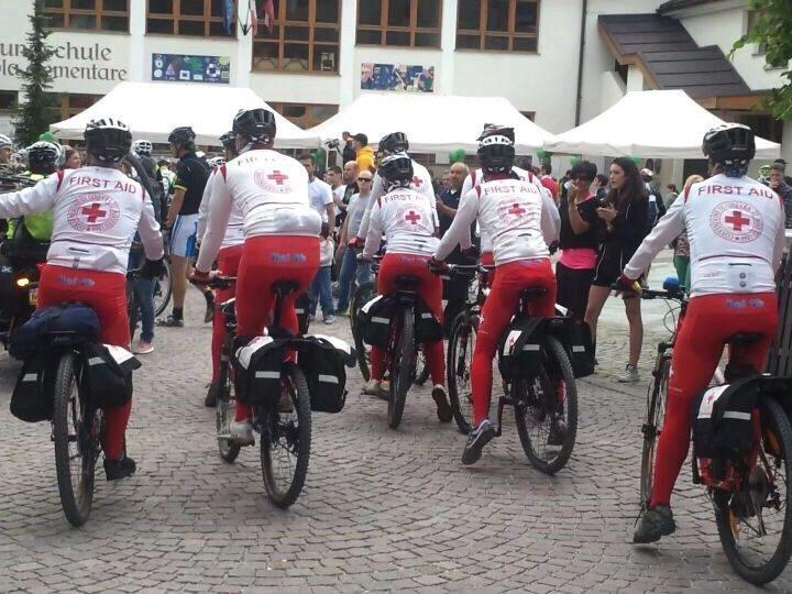 Cri In Bici Croce Rossa Italiana Comitato Dei Comuni Dellappia